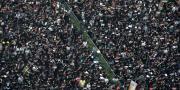 Deseci tisuća ljudi odjevenih u crno izašli ponovno na ulice Hong Konga