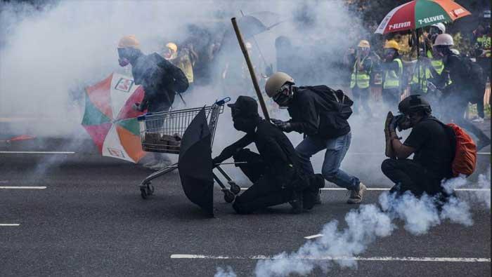 HONG KONG: Novi sukobi prosvjednika s policijom