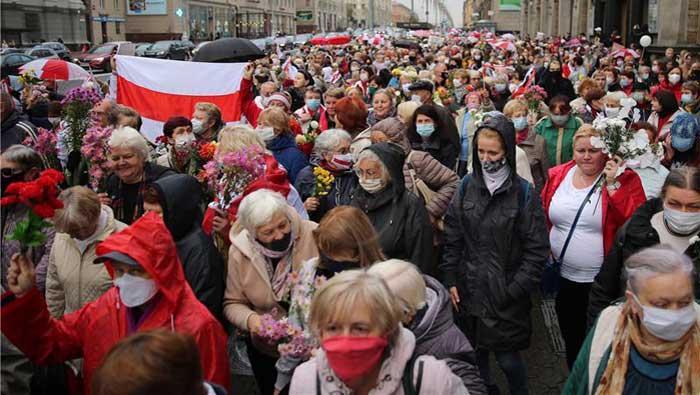 Bjeloruska oporba poziva Lukašenka da odstupi do 25. listopada