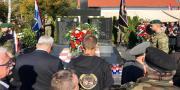 Fotogalerija: Odavanje počasti ispred spomenika poginulim braniteljima u obrani Novog Farkašića