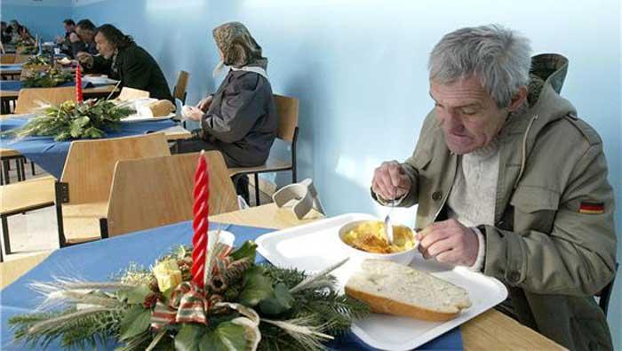 Tvrtka Pevec donirala 240.000 kuna Pučkoj kuhinji Vukovar | Domoljubni portal CM | Press