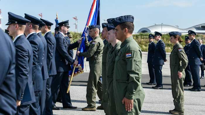 Održana svečana dodjela letačkog znaka 25. naraštaju pilota HRZ-a | Domoljubni portal CM | Press