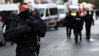 Francuska policija ubila napadača u predgrađu Pariza