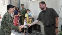 Ministar Banožić uručio ključeve stanova trojici pripadnika HV-a